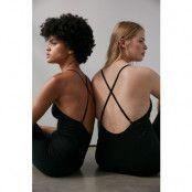 NA-KD Flow Sömlös Bodysuit - Black
